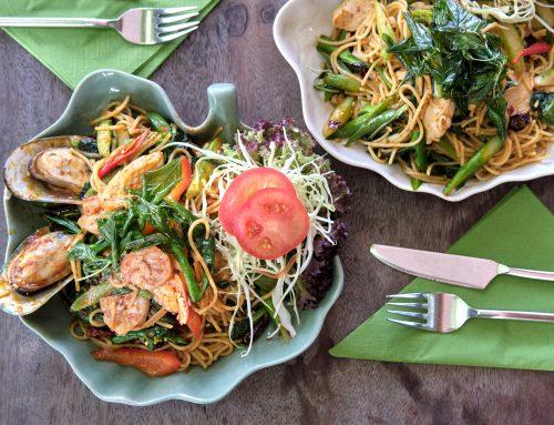 Juli Gericht – Pad Spaghetti Prik Gaeng Kimau