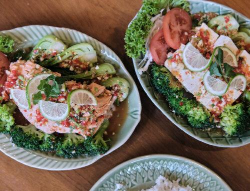 Oktober Gericht – Gedämpfter Lachs / Seidentofu in Zitronen-Knoblauch-Chili- Marinade