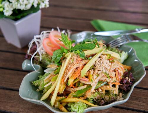 Juli Vorspeise – Thailändischer Salat mit Mango – Yam Chada Thai –ยําชฎาไทย